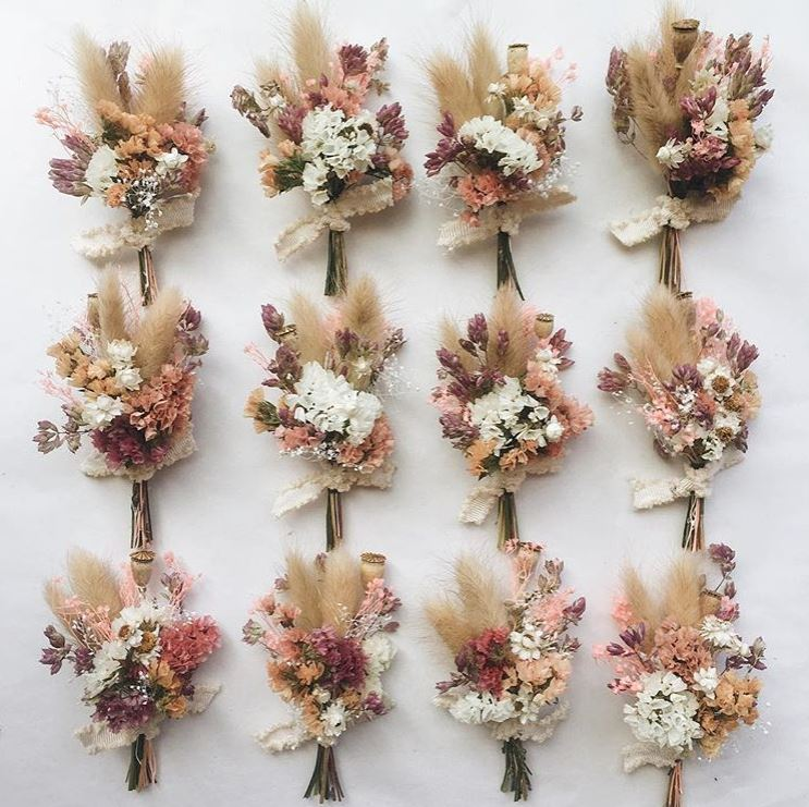Dried flower Boutonniere by Eucca
